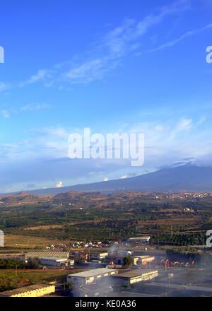 Die italienische Landschaft unter Ätna mount - Stockfoto