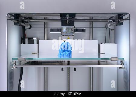 3D-Drucker, Drucken einer 3d selfie mit PLA (Polylactid) Filament, menschliche Büste - Close Up - Vorderansicht - Stockfoto
