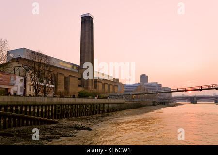 Tate Modern in London. - Stockfoto