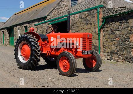 1957 mccormick International B-250 Traktor - Stockfoto