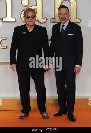 """Weltpremiere von """"kingsman: Der golden circle"""" - bei Anreise mit: Elton John, David versorgen Wo: London, Vereinigtes - Stockfoto"""