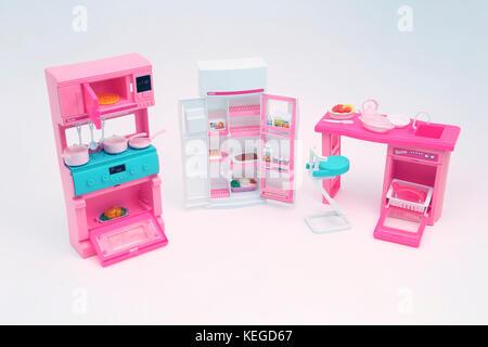 Berühmt Barbie Kühlschrank Zeitgenössisch - Innenarchitektur ...