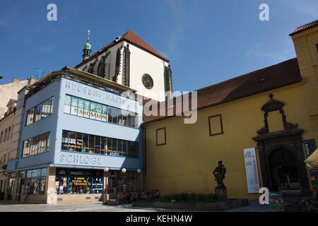 Kirche St. Maria zum Schnee am Wenzelsplatz (Vaclavske namesti) für Leute und Reisende beten und besuchen Sie am - Stockfoto