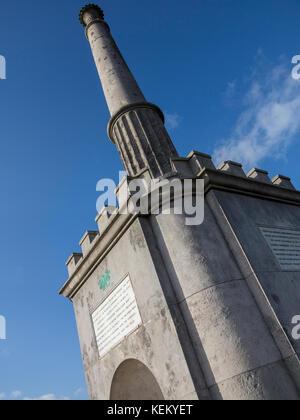 Canterbury Kent England UK das Simmonds Memorial auf der Oberseite Dane John Hügel im Stadtpark - Stockfoto