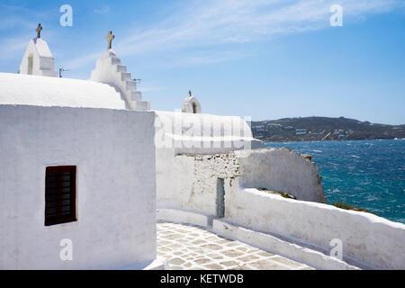 Auf der Rückseite des berühmten - Panagia Paraportiani Kirche im Mykonos-Stadt, Mykonos, Griechenland - Stockfoto