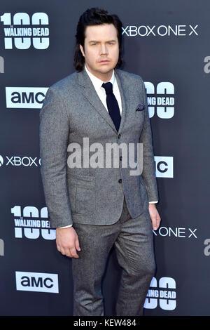 """Los Angeles, USA. 22 Okt, 2017. Josh mcdermitt sorgt der AMC """"The Walking Dead"""" Jahreszeit 8 Premiere und die 100. - Stockfoto"""