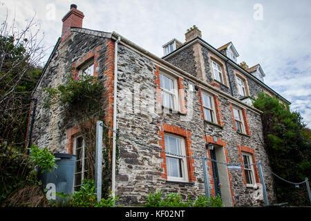 Der doc marin Haus in Tintagel Cornwall, wo die TV-Serie gedreht wird - Stockfoto