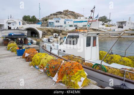 Der kleine Hafen- und Fischerdorf Agia Anna, Mykonos, Kykladen, Ägäis, Griechenland - Stockfoto
