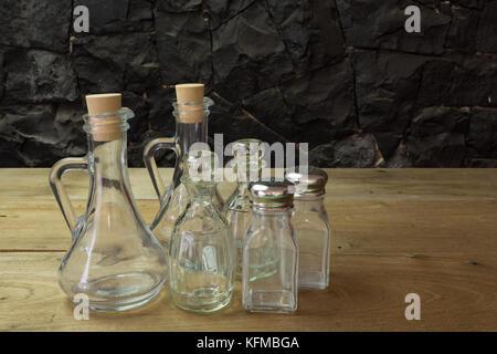 mehrere flaschen oliven l und essig stockfoto bild 16431864 alamy. Black Bedroom Furniture Sets. Home Design Ideas