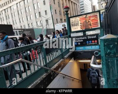New York city, usa. 31 Okt, 2017. Mit der U-Bahn Station in der Nähe von World Trade Center und der Terroranschlag - Stockfoto