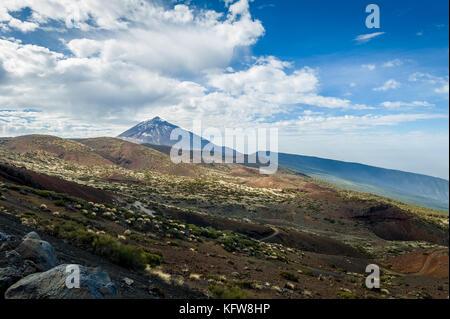 Büßt und Lava wüste Felder des Pico del Teide - Stockfoto