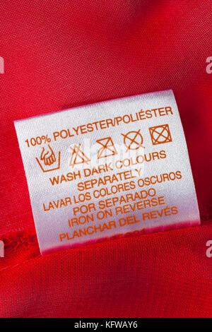 w sche waschen kleidung anweisungen label polyestergewebe synthetische kleidung info stockfoto. Black Bedroom Furniture Sets. Home Design Ideas