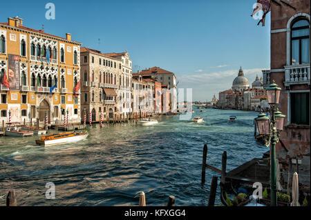 - Palazzo Cavalli franchetti und Grand Canal in Venedig, Italien - Stockfoto