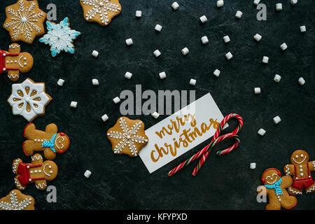 Weihnachten Lebkuchen, Marshmallows und Grußkarte - Stockfoto