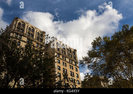 Apartment Gebäude am Riverside Drive und 157 Street in New York City. - Stockfoto
