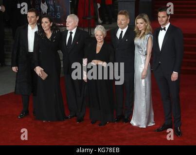 London, Großbritannien. 2. november 2017. Olivia Colman, Derek Jacobi, Judi Dench, Kenneth Branagh, Michelle Pfeiffer - Stockfoto