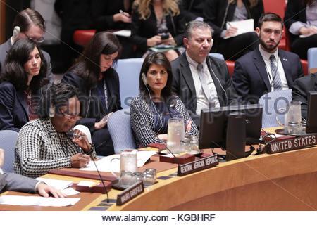 New York, USA. 06 Nov, 2017. Nikki r. Haley, United States ständiger Vertreter bei den Vereinten Nationen während - Stockfoto