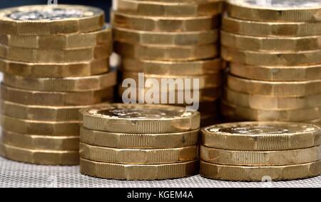 Ein Pfund Münze Münzen stapeln Stack - Stockfoto