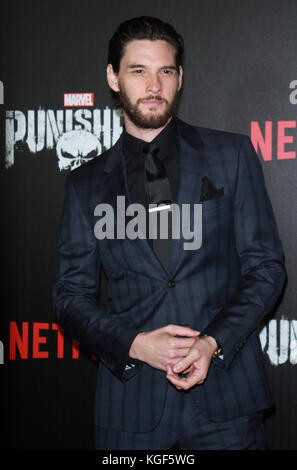 New York, NY, USA. 06 Nov, 2017. ben attendnetflix präsentiert Premiere von Marvel punisher im AMC Loews barnes - Stockfoto