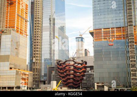 """Entwicklung in und um Hudson Yards, einschließlich """"das Schiff """"Mittelstück, in New York am Samstag, 4. November - Stockfoto"""