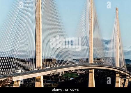 Ansicht der neuen queensferry Kreuzung Brücke über den Firth von weiter zwischen West Lothian und Fife in Schottland, - Stockfoto