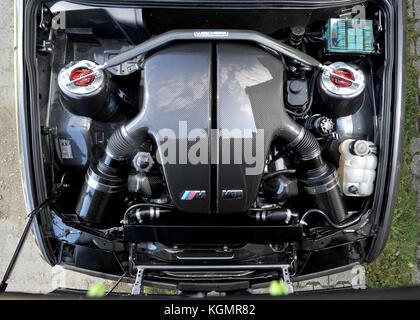 Bmw E30 M3 3-Serie mit einem BMW V10-Motor angepasst - Stockfoto