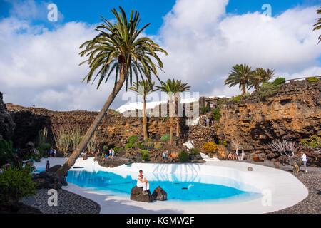Garten und Pool. Jameos del Agua. Kunst, Kultur und Tourismus Center erstellt von César Manrique. haria Lanzarote - Stockfoto