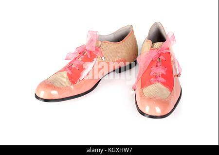 Frauen rosa Schuhe isoliert auf weißem - Stockfoto