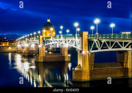 Haute-Garonne (31), Toulouse, le Pont Saint-pierre et le Dôme de l'Hôpital de La Grave // Frankreich. haute-Garonne - Stockfoto