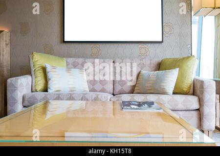 Vintage style möbel wohnzimmer  Classic Vintage Stil Möbel-Set in helles Wohnzimmer Stockfoto, Bild ...