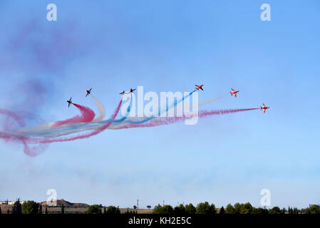 Rote Pfeile aerobatic Team in Athen fliegen Woche 2017 air-Show in tanagra Air Force Base, Griechenland - Stockfoto