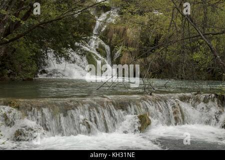 Kaskaden und Seen im Nationalpark Plitvicer Seen, Kroatien. - Stockfoto