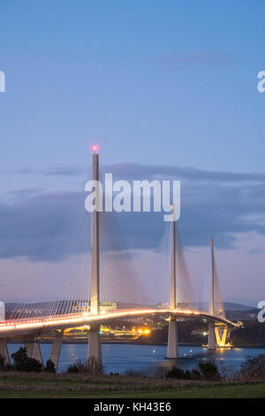 Abendlicher Blick von neuen queensferry Kreuzung Brücke über erhabene zwischen West Lothian und Fife in Schottland, - Stockfoto