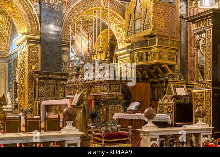 Innenraum und Altar der römisch-katholischen St. John's Co-kathedrale, Valletta, Malta | Römisch-katholische Saint - Stockfoto