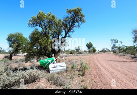 Schotterpiste des Green Car Door Tour im Opal Felder, Lightning Ridge, New South Wales, NSW, Australien - Stockfoto
