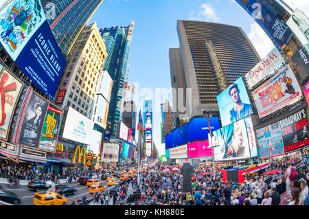 Times Square New York USA New York Times Square besetzt mit Touristen überfüllt, Manhattan New York USA Amerika - Stockfoto