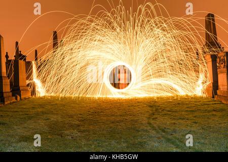 Licht Malerei Gräber mit Stahlwolle - Stockfoto