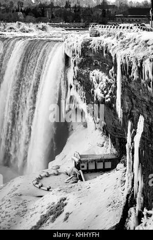 Niagara Falls im Winter - Stockfoto