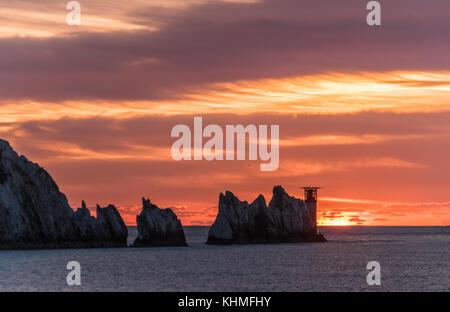 Alum Bay. sunset neben dem Leuchtturm - Stockfoto