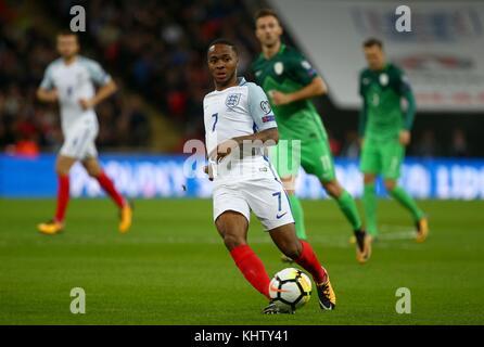 Raheem Sterling von England während der FIFA World Cup Qualifier Match zwischen England und Slowenien im Wembley - Stockfoto