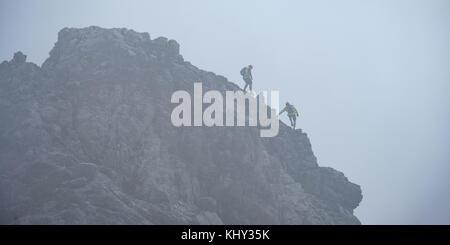 Hindelanger Klettersteig Wengenkopf : Hindelanger klettersteig mit peak wengenkopf und nebel