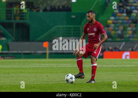 Lissabon, Portugal. 22 Nov, 2017. 22. November 2017. in Lissabon, Portugal.olympiakos Defender aus Togo alaixys - Stockfoto