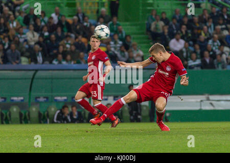 Lissabon, Portugal. 22 Nov, 2017. 22. November 2017. in Lissabon, Portugal.olympiakos Defender aus Belgien bjorn - Stockfoto