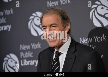 Der TV-Journalist Charlie Rose besucht 2016 die Library Lions Gala in der New York Public Library - Stephen A Schwartzman - Stockfoto