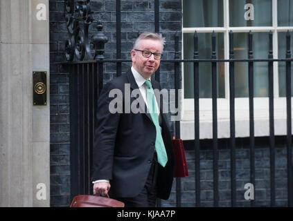 Michael Gove, Staatssekretär für Umwelt, Ernährung und ländliche Angelegenheiten, Blätter Nummer 10 Downing Street - Stockfoto