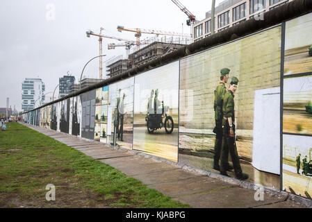 Gebäude Entwicklung entlang der Berliner Mauer East Side Gallery - Stockfoto