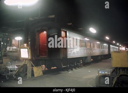 EL Zug 2, die letzte Richtung Osten laufen Der Phoebe Snow bestehen und Zug name Indikator bereit von Dearborn, - Stockfoto