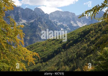 Die schöne Albanische Alpen auf Valbona Tal Albanien - Stockfoto
