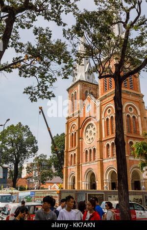 Neoromanischen Kathedrale Notre-Dame Basilika von Saigon, Downtown District 1 Dong Khoi Gegend, Ho Chi Minh City - Stockfoto