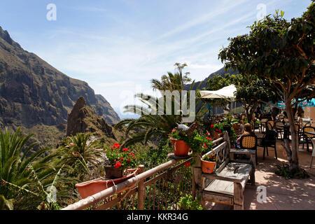 Cafe im Bergdorf Masca im Teno Gebirge, Teneriffa, Kanarische Inseln, Spanien - Stockfoto